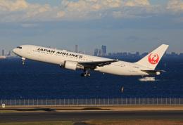 tsubameさんが、羽田空港で撮影した日本航空 767-346の航空フォト(飛行機 写真・画像)
