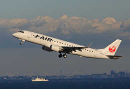 tsubameさんが、羽田空港で撮影したジェイエア ERJ-190-100(ERJ-190STD)の航空フォト(飛行機 写真・画像)