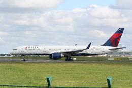 NIKEさんが、ダブリン空港で撮影したデルタ航空 757-251の航空フォト(飛行機 写真・画像)
