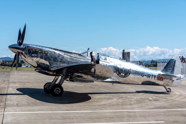 NGOナオキさんが、名古屋飛行場で撮影したイギリス企業所有 361 Spitfire LF9Cの航空フォト(飛行機 写真・画像)
