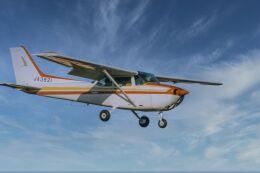 NCT310さんが、調布飛行場で撮影した日本個人所有 172P Skyhawk IIの航空フォト(飛行機 写真・画像)