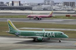 planetさんが、福岡空港で撮影したフジドリームエアラインズ ERJ-170-200 (ERJ-175STD)の航空フォト(飛行機 写真・画像)