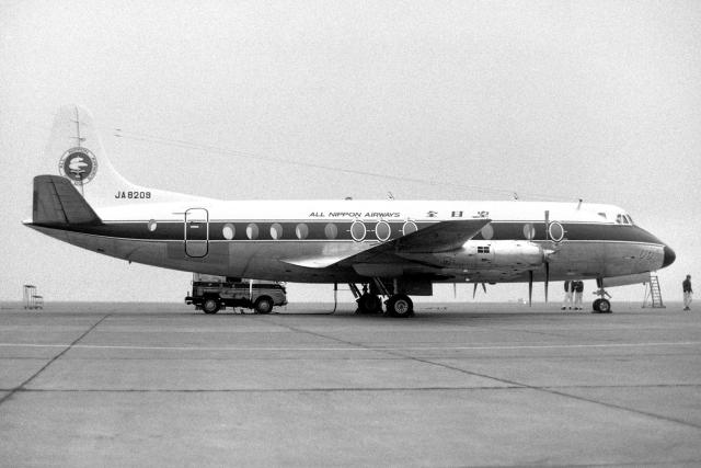 wetwingさんが、羽田空港で撮影した全日空 828 Viscountの航空フォト(飛行機 写真・画像)