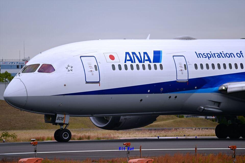 キットカットさんの全日空 Boeing 787-8 Dreamliner (JA808A) 航空フォト