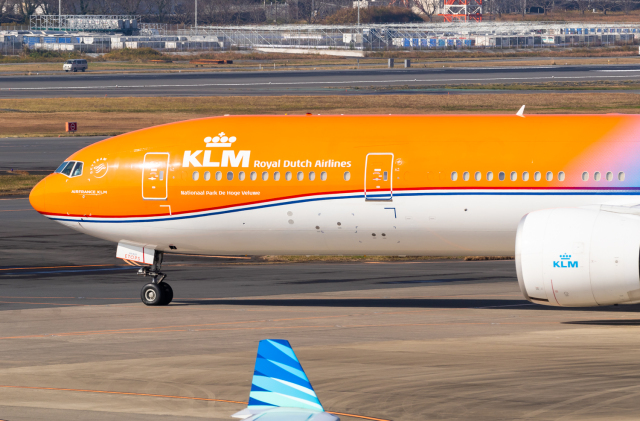 B.K JEONGさんが、成田国際空港で撮影したKLMオランダ航空 777-306/ERの航空フォト(飛行機 写真・画像)