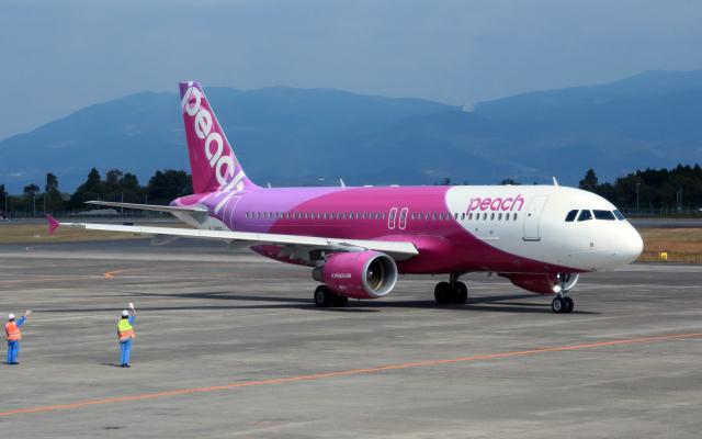 CL&CLさんが、鹿児島空港で撮影したピーチ A320-214の航空フォト(飛行機 写真・画像)