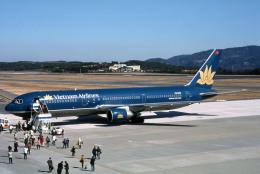 Gambardierさんが、岡山空港で撮影したベトナム航空 767-33A/ERの航空フォト(飛行機 写真・画像)