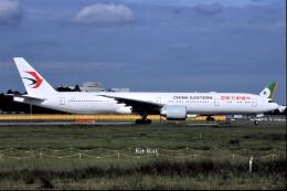 キットカットさんが、成田国際空港で撮影した中国東方航空 777-39P/ERの航空フォト(飛行機 写真・画像)