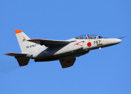 tuckerさんが、入間飛行場で撮影した航空自衛隊 T-4の航空フォト(飛行機 写真・画像)
