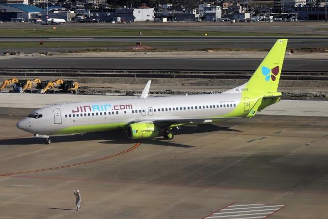 kan787allさんが、福岡空港で撮影したジンエアー 737-8B5の航空フォト(飛行機 写真・画像)