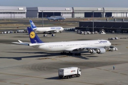 flying_horseさんが、羽田空港で撮影したルフトハンザドイツ航空 A340-642Xの航空フォト(飛行機 写真・画像)