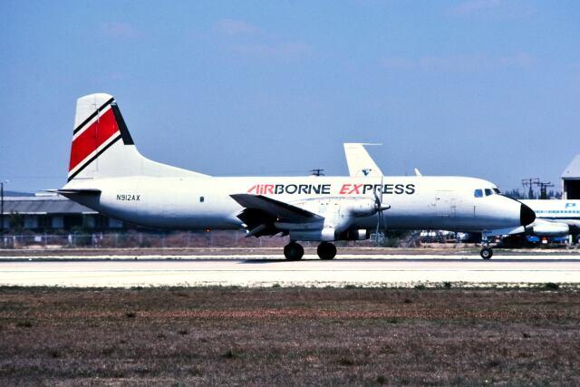 パール大山さんが、マイアミ国際空港で撮影したエアーボーンエクスプレス YS-11A-500の航空フォト(飛行機 写真・画像)
