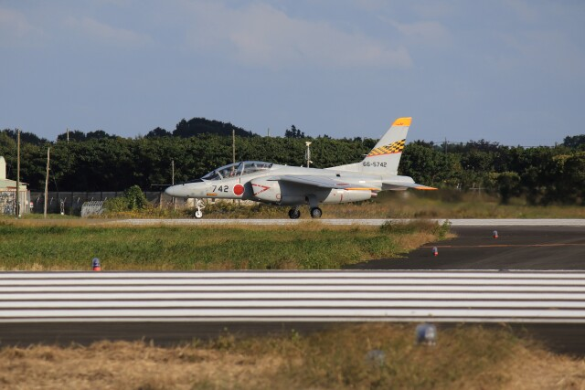 メンチカツさんが、茨城空港で撮影した航空自衛隊 T-4の航空フォト(飛行機 写真・画像)