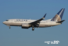 tassさんが、成田国際空港で撮影したユナイテッド航空 737-724の航空フォト(飛行機 写真・画像)