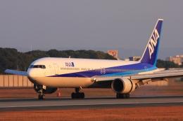 Hiro-hiroさんが、伊丹空港で撮影した全日空 767-381の航空フォト(飛行機 写真・画像)