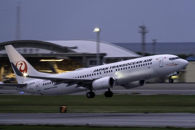 K.Sさんが、那覇空港で撮影した日本トランスオーシャン航空 737-8Q3の航空フォト(飛行機 写真・画像)