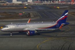 ちゅういちさんが、シェレメーチエヴォ国際空港で撮影したアエロフロート・ロシア航空 A320-214の航空フォト(飛行機 写真・画像)