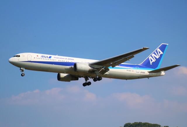 えのびよーんさんが、福岡空港で撮影した全日空 767-381/ERの航空フォト(飛行機 写真・画像)