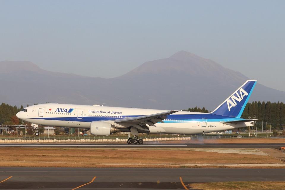 EosR2さんの全日空 Boeing 777-200 (JA742A) 航空フォト