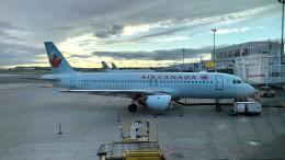 Cassiopeia737さんが、モントリオール・ピエール・エリオット・トルドー国際空港で撮影したエア・カナダ A320-211の航空フォト(飛行機 写真・画像)