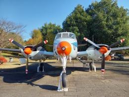 KAZFLYERさんが、国土地理院 地図と測量の科学館 地球ひろば (茨城県つくば市)で撮影した海上自衛隊 Queen Airの航空フォト(飛行機 写真・画像)