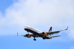 kenzy201さんが、リスボン・ウンベルト・デルガード空港で撮影したアイスランド航空 757-208の航空フォト(飛行機 写真・画像)