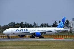 サンドバンクさんが、成田国際空港で撮影したユナイテッド航空 777-322/ERの航空フォト(飛行機 写真・画像)