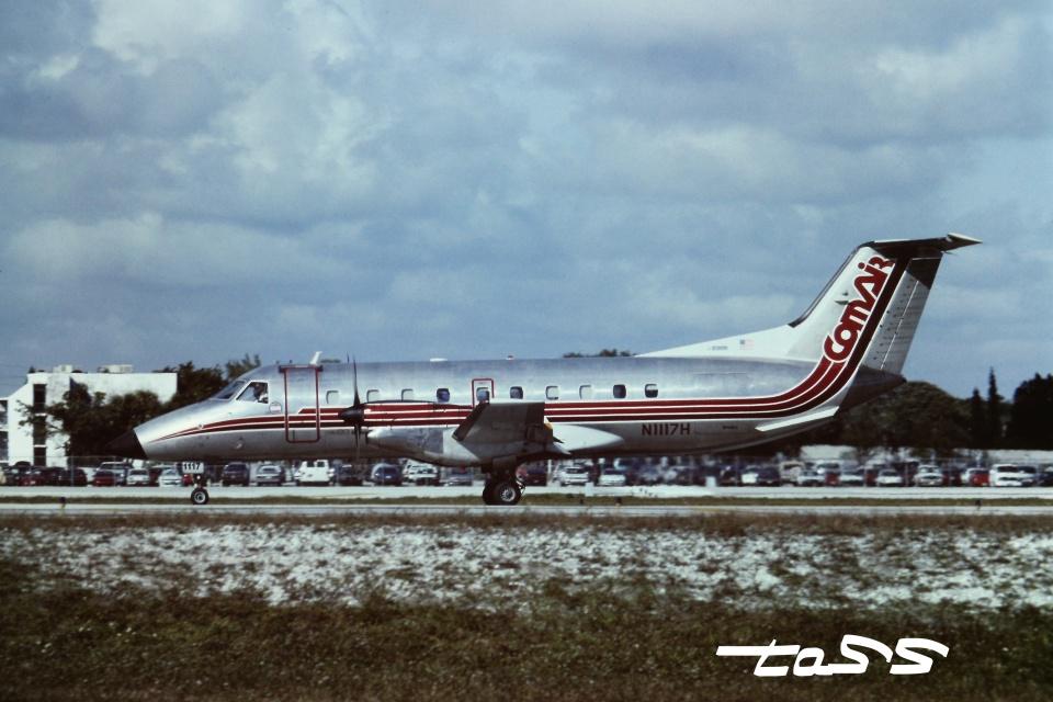 tassさんのコムエアー Embraer EMB-120 Brasilia (N1117H) 航空フォト