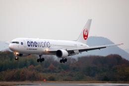 express999さんが、高松空港で撮影した日本航空 767-346の航空フォト(飛行機 写真・画像)
