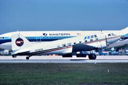 パール大山さんが、マイアミ国際空港で撮影したプロビンスタウン・ボストン・エアラインズ DC-3Aの航空フォト(飛行機 写真・画像)