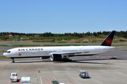サンドバンクさんが、成田国際空港で撮影したエア・カナダ 777-333/ERの航空フォト(飛行機 写真・画像)