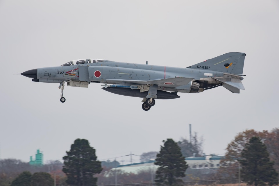 Takeshi90ssさんの航空自衛隊 Mitsubishi F-4EJ Kai Phantom II (57-8357) 航空フォト