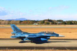ふるちゃんさんが、茨城空港で撮影した航空自衛隊 F-2Bの航空フォト(飛行機 写真・画像)