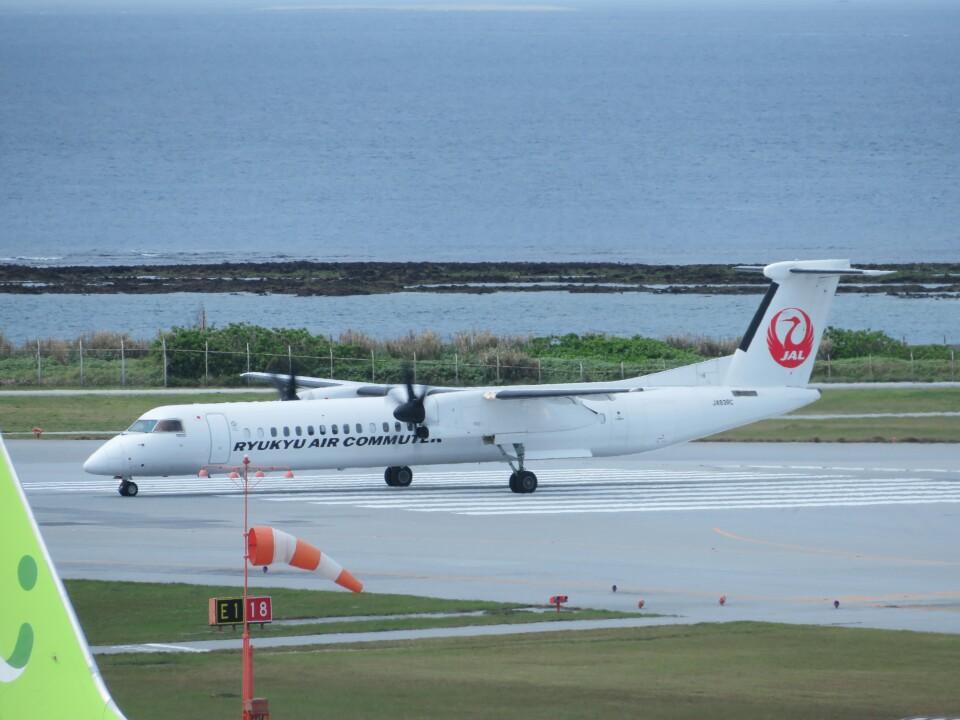 TradelView FUKUROさんの琉球エアーコミューター Bombardier DHC-8-400 (JA83RC) 航空フォト