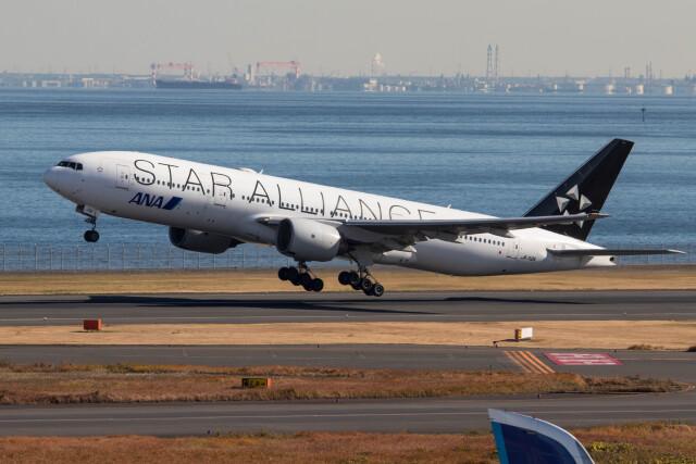 Koenig117さんが、羽田空港で撮影した全日空 777-281の航空フォト(飛行機 写真・画像)