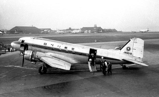 Y.Todaさんが、羽田空港で撮影した日本ヘリコプター輸送 DC-3Cの航空フォト(飛行機 写真・画像)
