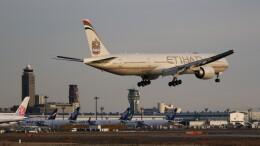 redbull_23さんが、成田国際空港で撮影したエティハド航空 777-3FX/ERの航空フォト(飛行機 写真・画像)