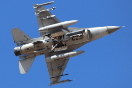 キャスバルさんが、ルーク空軍基地で撮影したシンガポール空軍 F-16C-52-CF Fighting Falconの航空フォト(飛行機 写真・画像)