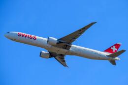 はやたいさんが、成田国際空港で撮影したスイスインターナショナルエアラインズ 777-3DE/ERの航空フォト(飛行機 写真・画像)
