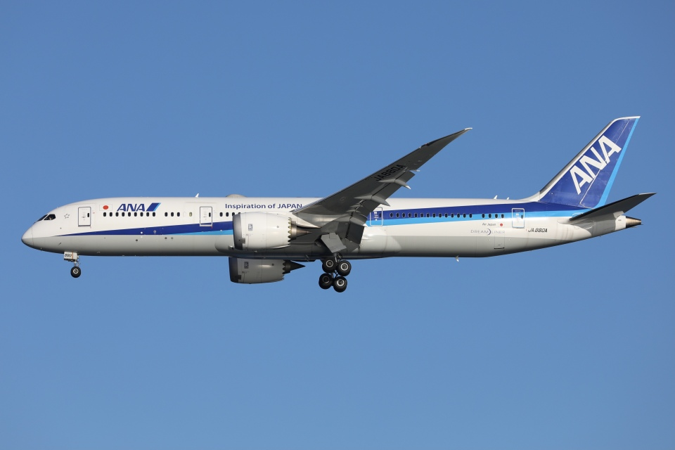 sky-spotterさんの全日空 Boeing 787-9 (JA880A) 航空フォト