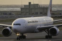 K.Sさんが、那覇空港で撮影した日本航空 777-346の航空フォト(飛行機 写真・画像)