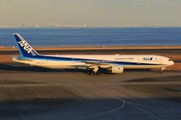 みるぽんたさんが、羽田空港で撮影した全日空 777-381の航空フォト(飛行機 写真・画像)