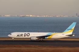 石鎚さんが、羽田空港で撮影したAIR DO 767-381/ERの航空フォト(飛行機 写真・画像)
