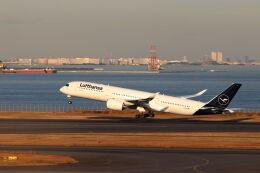 石鎚さんが、羽田空港で撮影したルフトハンザドイツ航空 A350-941の航空フォト(飛行機 写真・画像)