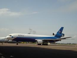 チャンギーVさんが、エンテベ国際空港で撮影したアビエント・アビエーション DC-10-30Fの航空フォト(飛行機 写真・画像)