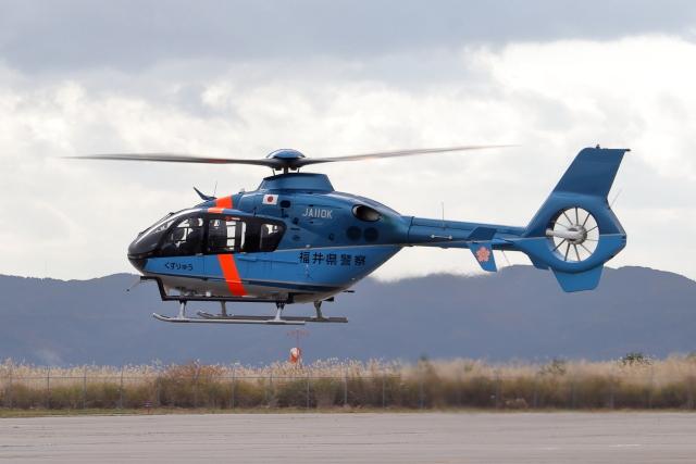 Gripen-YNさんが、能登空港で撮影した福井県警察 EC135T2+の航空フォト(飛行機 写真・画像)