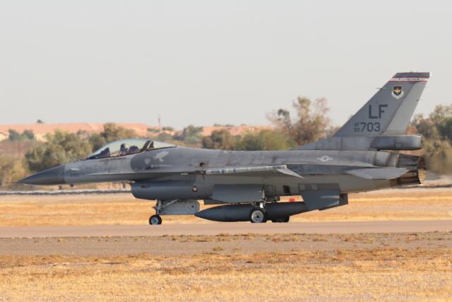 キャスバルさんが、ルーク空軍基地で撮影した中華民国空軍 F-16A Fighting Falconの航空フォト(飛行機 写真・画像)