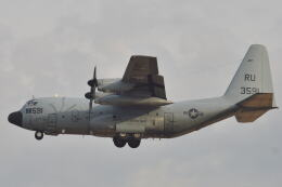 350JMさんが、厚木飛行場で撮影したアメリカ海軍 KC-130T Herculesの航空フォト(飛行機 写真・画像)