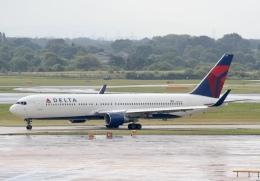 NIKEさんが、マンチェスター空港で撮影したデルタ航空 767-332/ERの航空フォト(飛行機 写真・画像)