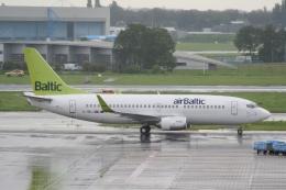 NIKEさんが、アムステルダム・スキポール国際空港で撮影したエア・バルティック 737-36Qの航空フォト(飛行機 写真・画像)